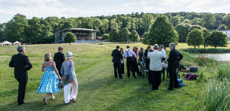 Garsington Opera Pavilion and picnickers