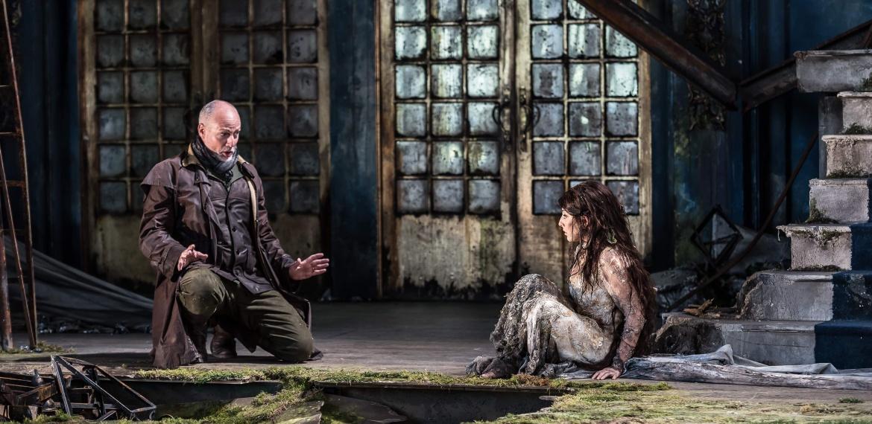 Garsington Opera 2017 Pelléas et Mélisande Paul Gay (Golaud), Andrea Carroll (Mélisande) credit Clive Barda