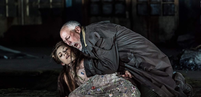 Garsington Opea 2017 Pelléas et Mélisande Andrea Carroll (Mélisande) Paul Gay (Golaud)