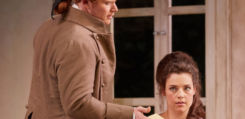 Le nozze di Figaro Garsington Opera 2017 Duncan Rock (Count), Kirsten MacKinnon (Countess) credit Mark Douet-min.jpg