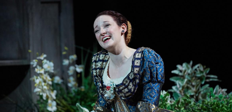 Le nozze di Figaro Garsington Opera 2017 Jennifer France (Susanna) credit Mark Douet  2-min.jpg